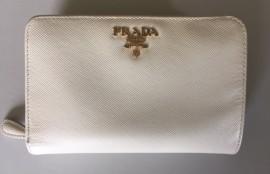 プラダ(PRADA)財布クリーニング